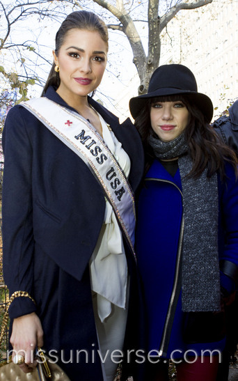 Olivia and Carly Rae Jepsen