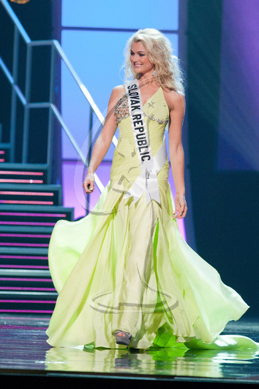 Slovak Republic - Preliminary Competition Gown