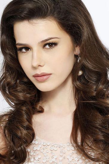 Headshot  sc 1 st  Miss Universe : chaise goris - Sectionals, Sofas & Couches