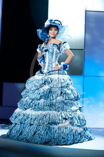 El Salvador - National Costume