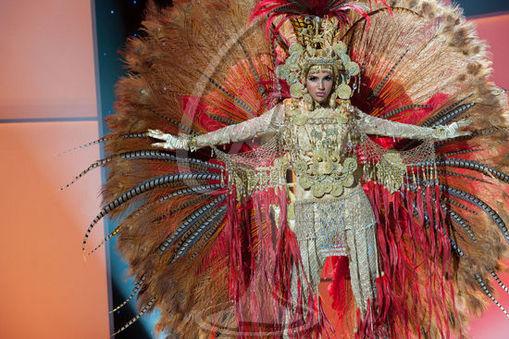 Panama - National Costume