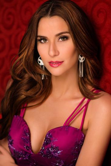 Daniela Torres Nude Photos 13