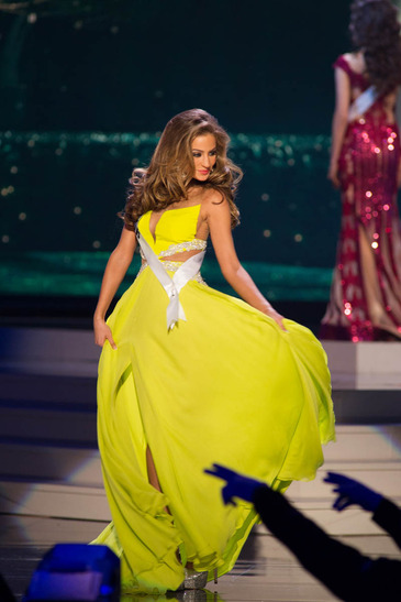 Miss Universe Preliminary Evening Gown Competition 23/01/15
